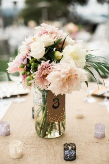 Laid-Back-Annapolis-Wedding-That-Doesnt-Skimp-Pretty-5-600x900